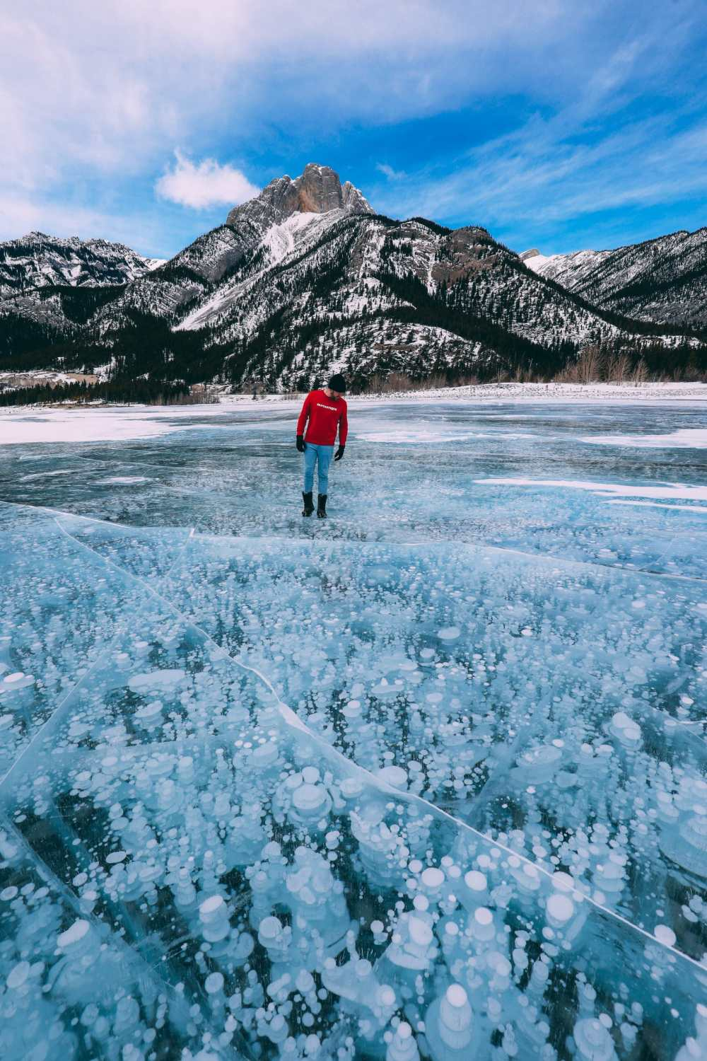 Driving Canada's Epic Icefields Parkway And Finding The Frozen Bubbles Of Abraham Lake (39)