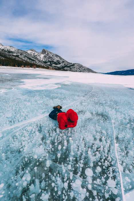 Driving Canada's Epic Icefields Parkway And Finding The Frozen Bubbles Of Abraham Lake (43)