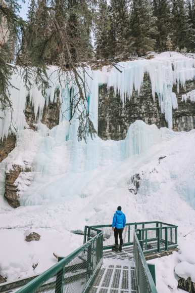 Hiking Johnston Canyon And Seeing The Northern Lights Over Canada (14)