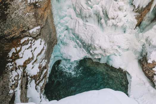 Hiking Johnston Canyon And Seeing The Northern Lights Over Canada (21)