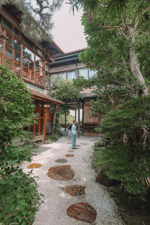 Visiting The Geisha District And Kaiseki Dining In Kanazawa - Japan (22)