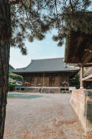 Temple Searching And Traditional Ryokans In Yokohama - Japan (10)