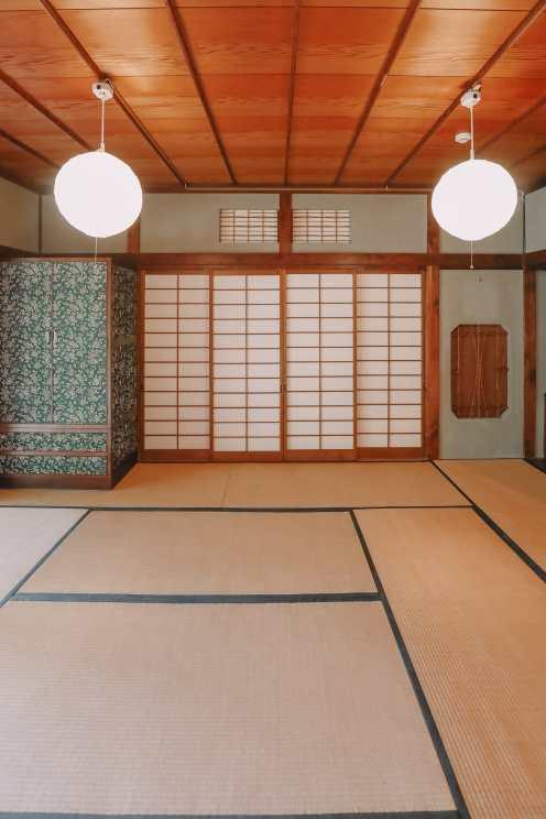 Temple Searching And Traditional Ryokans In Yokohama - Japan (3)