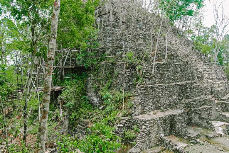 Guatemala Travel: 13 Amazing Mayan Ruins You HAVE To Visit! (2)