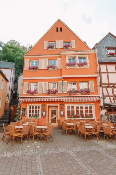 The Incredible Moselle Loop And Beautiful Town Of Bernkastel Kues In Germany (28)