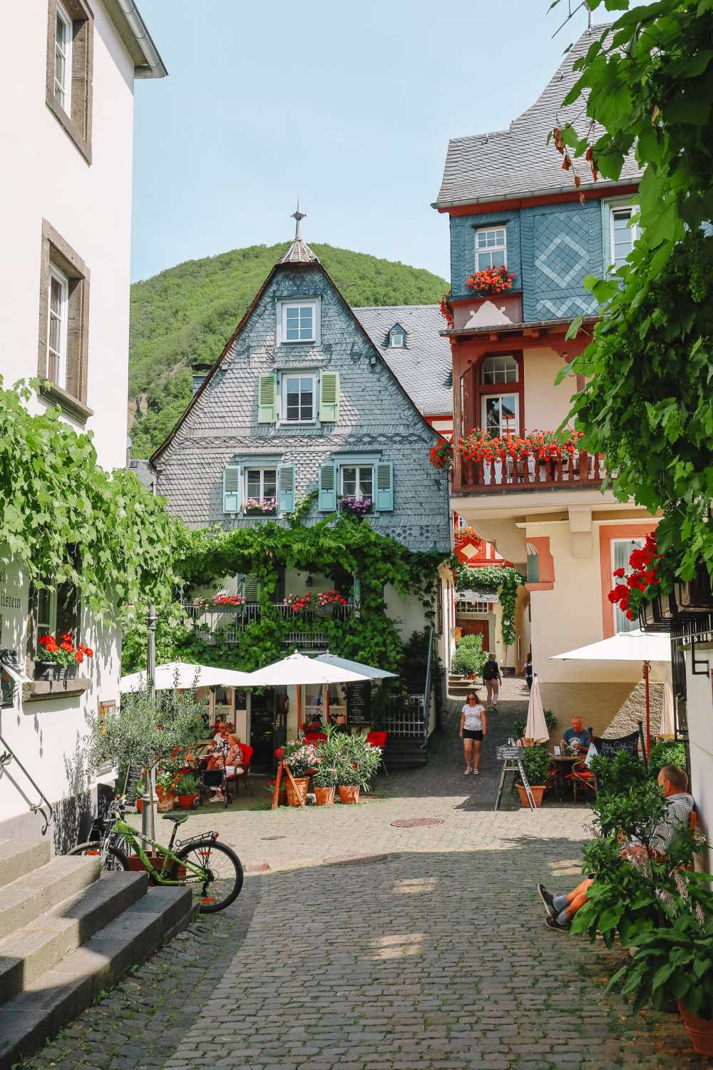 The Gorgeous Little Town Of Beilstein and The Amazing Eltz Castle In Germany (9)