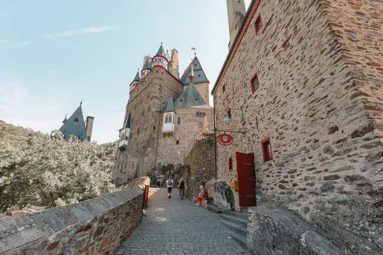 The Gorgeous Little Town Of Beilstein and The Amazing Eltz Castle In Germany (40)