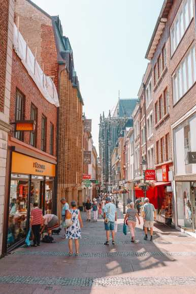 A Morning In German City of Aachen (9)