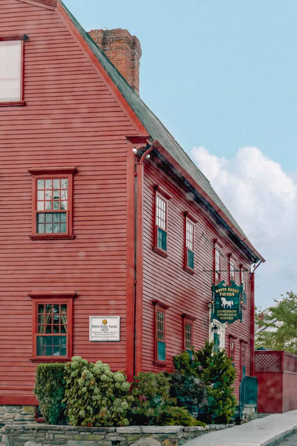 Oldest Tavern and pub in the USA