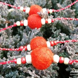 Мартеници за ръка с топчета от плъстена вълна