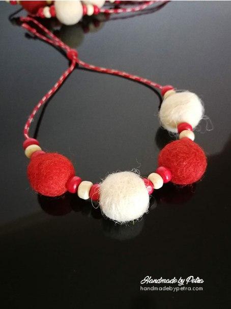 Мартеници с 4 топчета от плъстена вълна - handmadebypetra.com