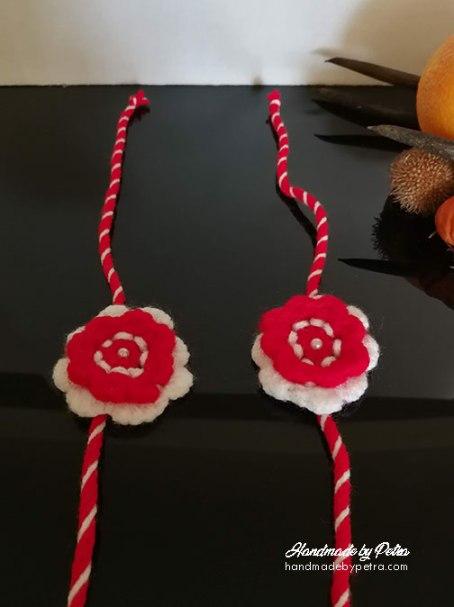 Ръчно изплетени мартеници на една кука - handmadebypetra.com