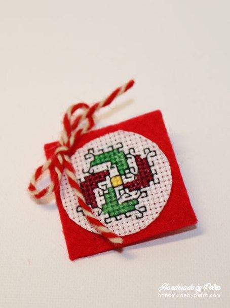 Кръгла мартеница за ревер - handmadebypetra.com