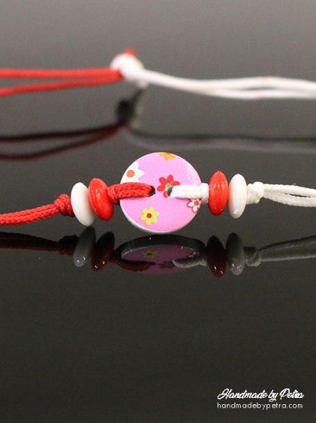 Мартеница за ръка с розово копче за дете - handmadebypetra.com