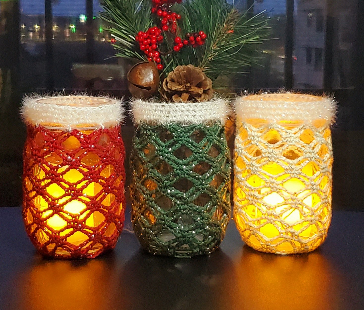 How to crochet Christmas Jar Cozy