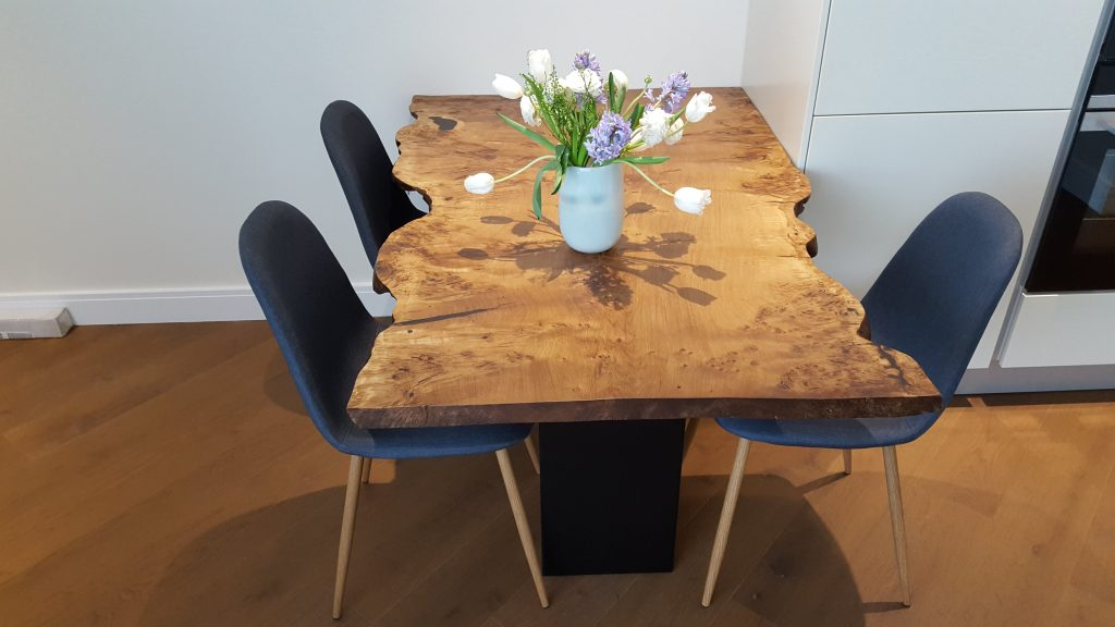 Starburst Oak live-edge single slab table, Chelsea Bridge London