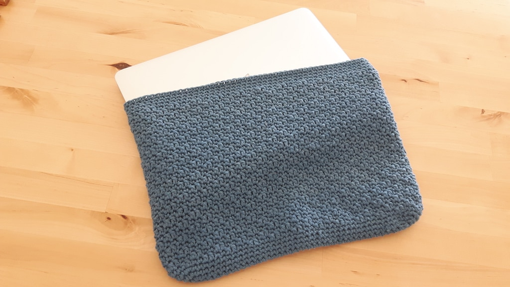 laptop sleeve made with recycled cotton