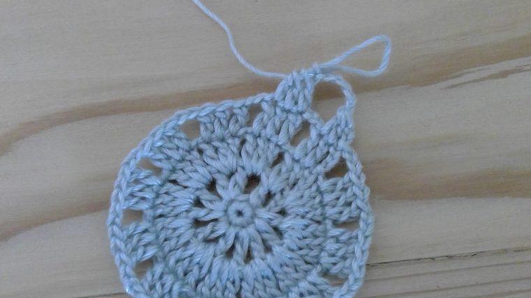 レース編みのコースターで花は?編み方は?