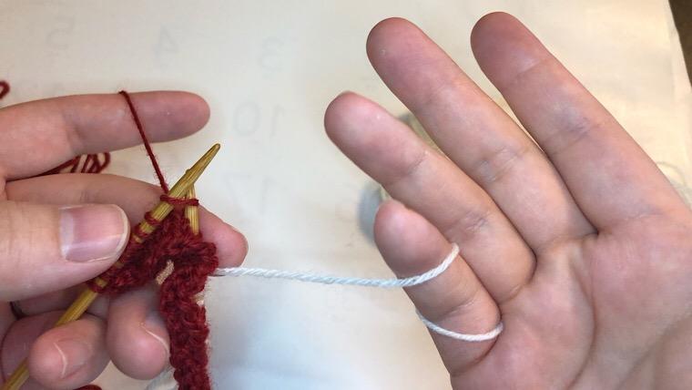 棒編み 模様編みの色変えの時の糸の持ち方