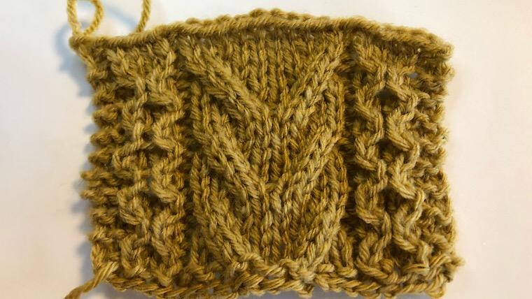 なわ編みと交差編みの模様