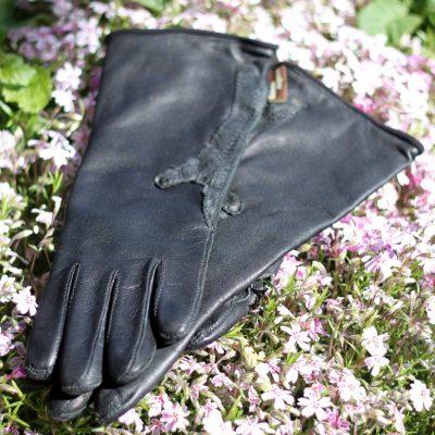 Handsker med detalje af hønsefod
