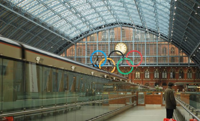 Olympic rings at St Pancras station