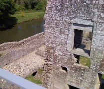 A deep moat but no crocodiles !