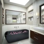 Bathroom Decorating Ideas for Small Baths