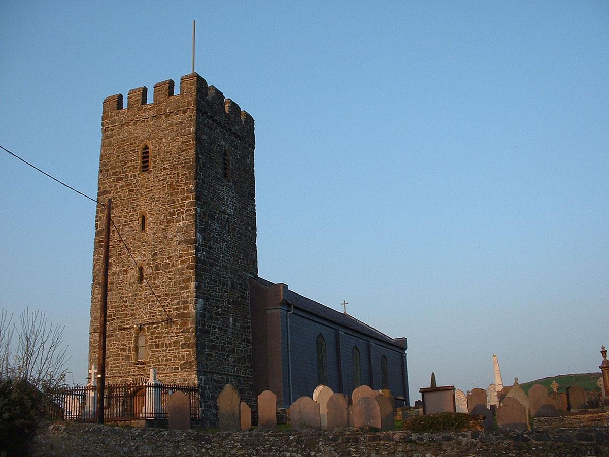 Eglwys Llansantffraed Llanon - Darganfyddwch archeoleg, hynafiaethau a hanes Ceredigion