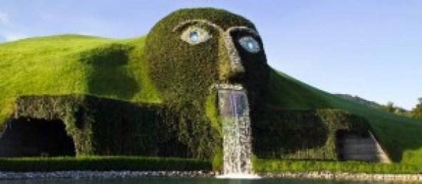 il-gigante-dei-mondi-di-cristallo-swarovski