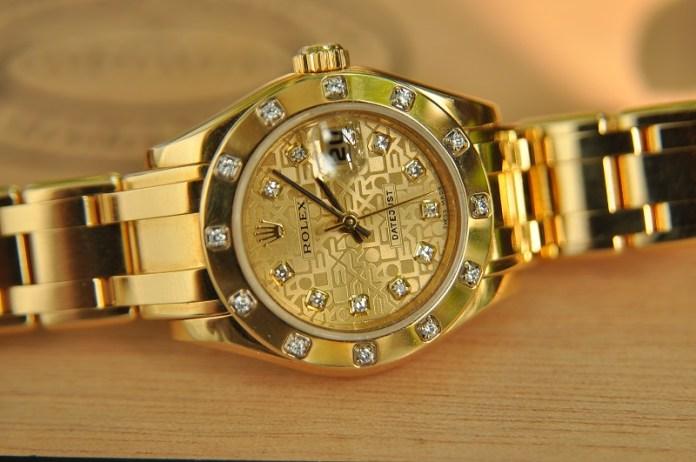 đồng hồ nữ mạ vàng - 1