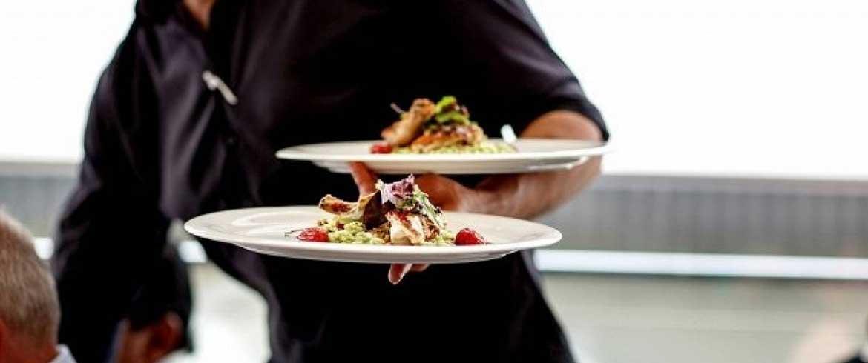 Εστιατόριο στον Πλατανιά Χανίων ζητά σερβιτόρο και βοηθό σερβιτόρου