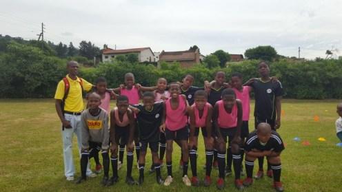 Unser Fußballteam mit den neuen Socken