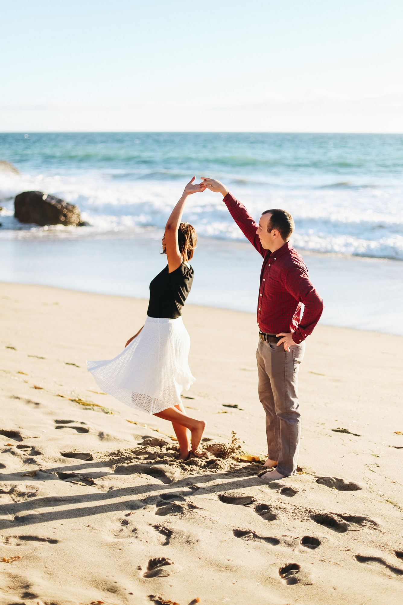 dancing on the beach // malibu engagement session