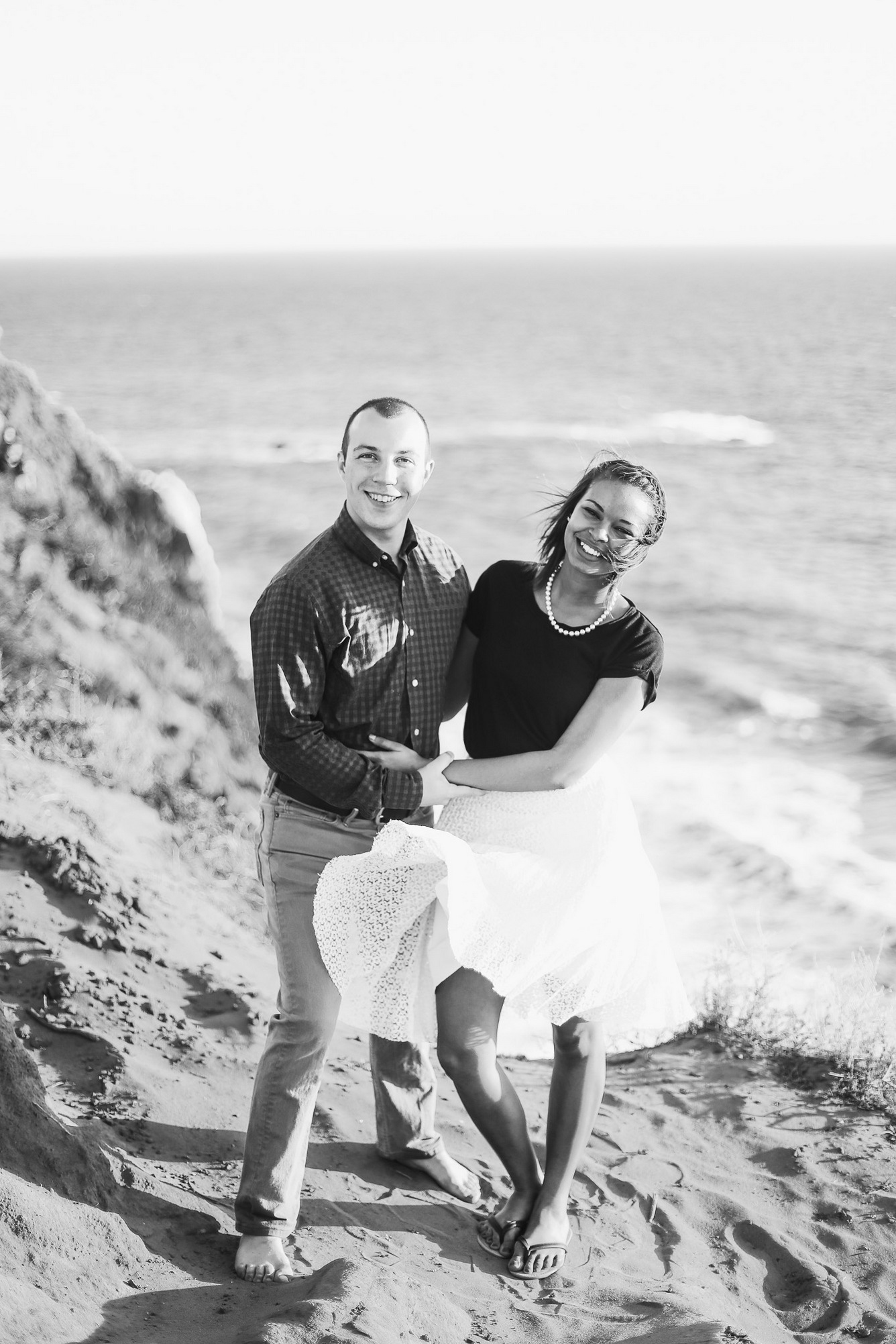 hannah acheson photography: classy beach engagement session in malibu (point dume state beach, california)