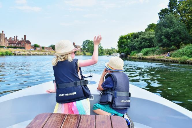 twins waving on a boat GoBoat Kingston review
