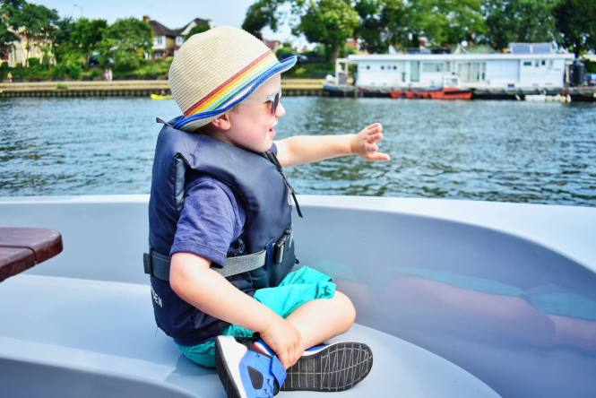 Child waving GoBoat Kingston review
