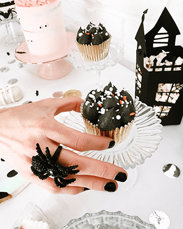 Halloween Decor por Laura Burzio y Hannah Creates