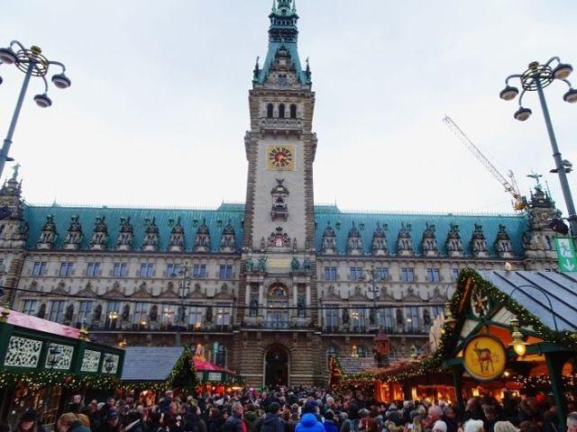 Hannah Goes to Hamburg