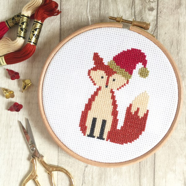 christmas-fox-cross-stitch-hoop