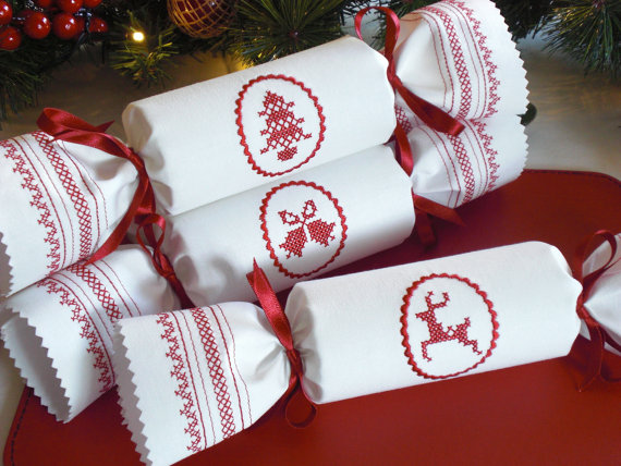 cross-stitch-christmas-cracker