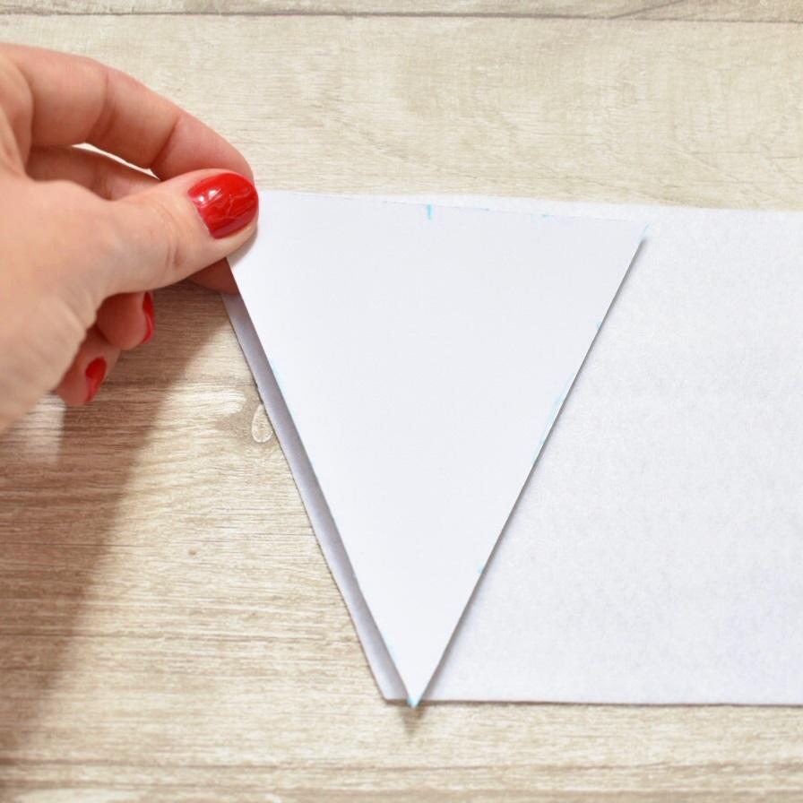 draw around triangle on felt