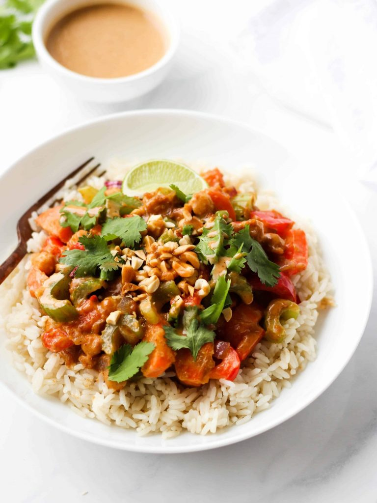 This vegan peanut stir fry with chickpeas is delicious, quick, and easy to make. Pair it with rice, quinoa or noodles for a healthy and balanced meal.