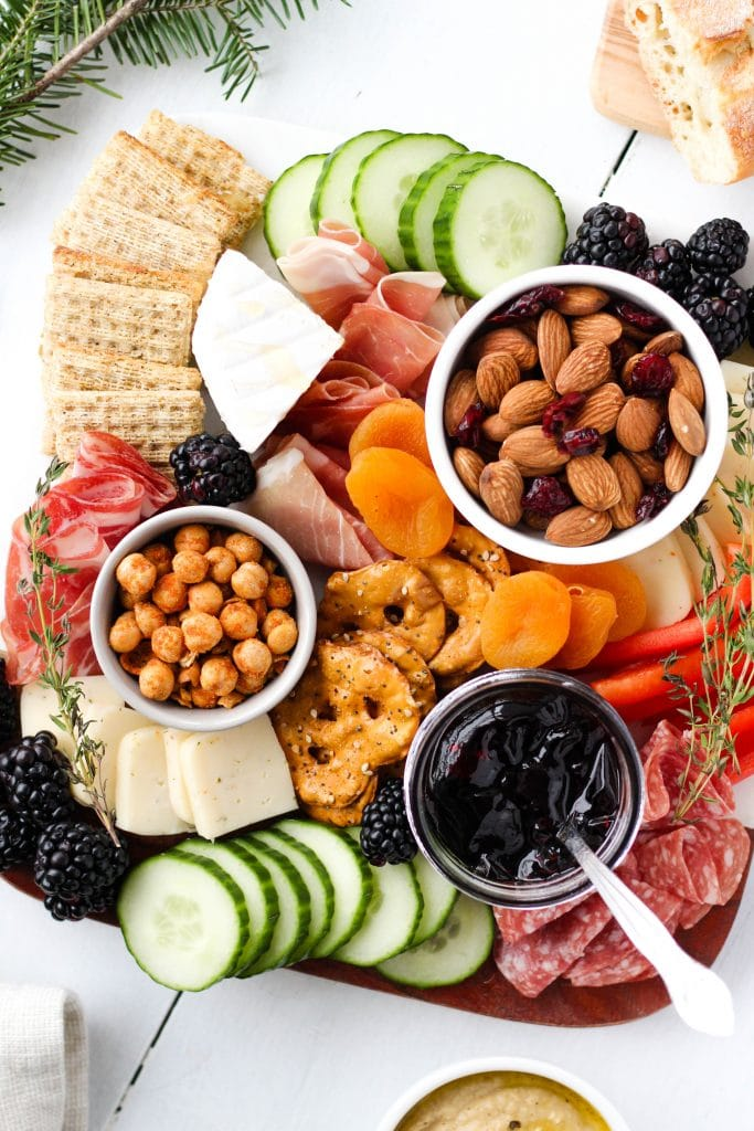 The holiday season is here! Learn how to make a balanced, Instagram-worthy snack board that will have your friends and family drooling this year.