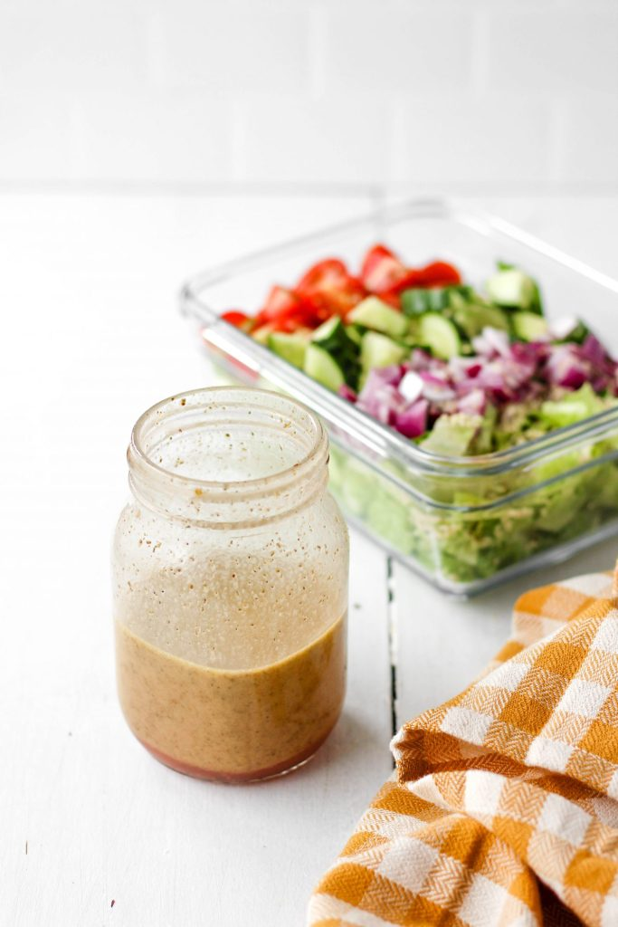 An easy and healthy Italian dressing recipe that tastes great on a variety of salad combinations! Make a batch at the start of the week for delicious salads all week long!