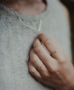 Knot Rings