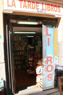 A quaint bookshop near metro San Bernando