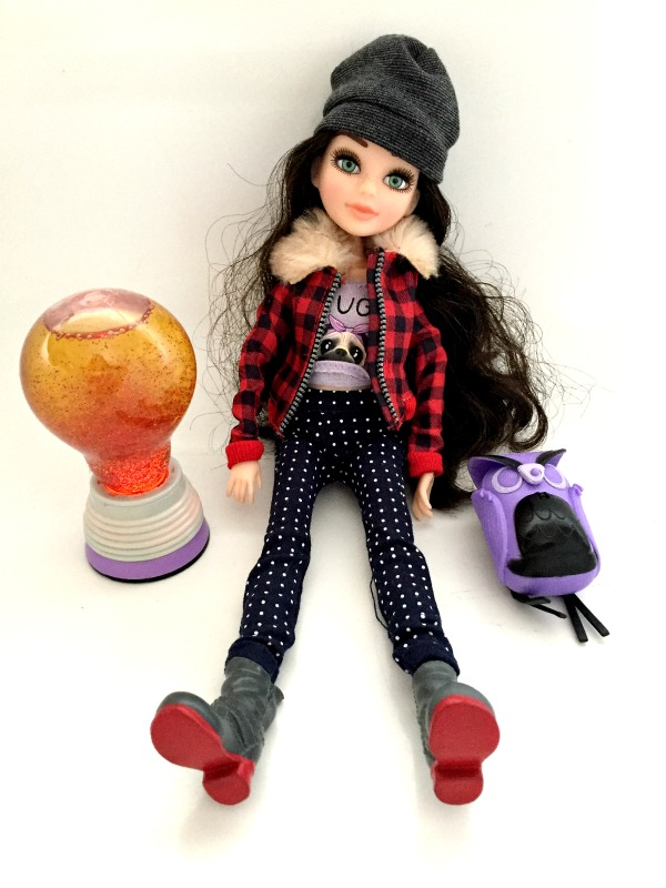 Project MC2 Mckelya Doll Review Glitter Lightbulb