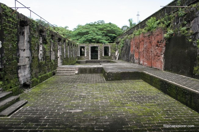 The Ruins in Fort Santiago from filipinaexplorer.net