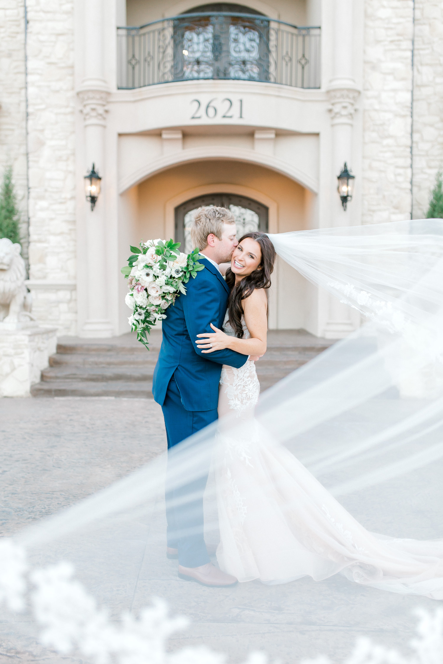 Hannah Way Photography - Dallas wedding photographer - luxury weddings - luxury wedding photographer - dfw wedding photographer - best wedding photographer - Dallas best wedding photographer - knotting hill place